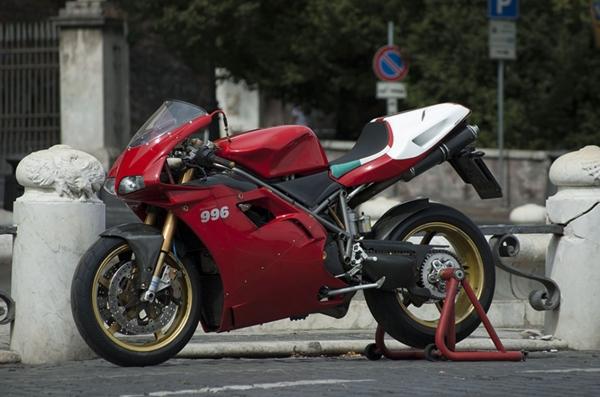 Special Ducati 996